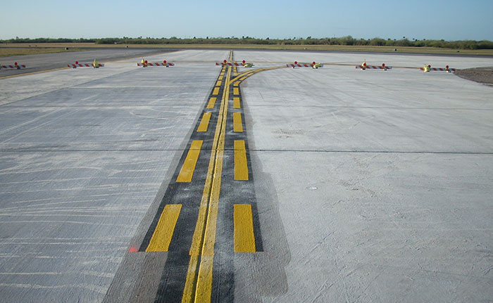 Image of tarmac at an airport